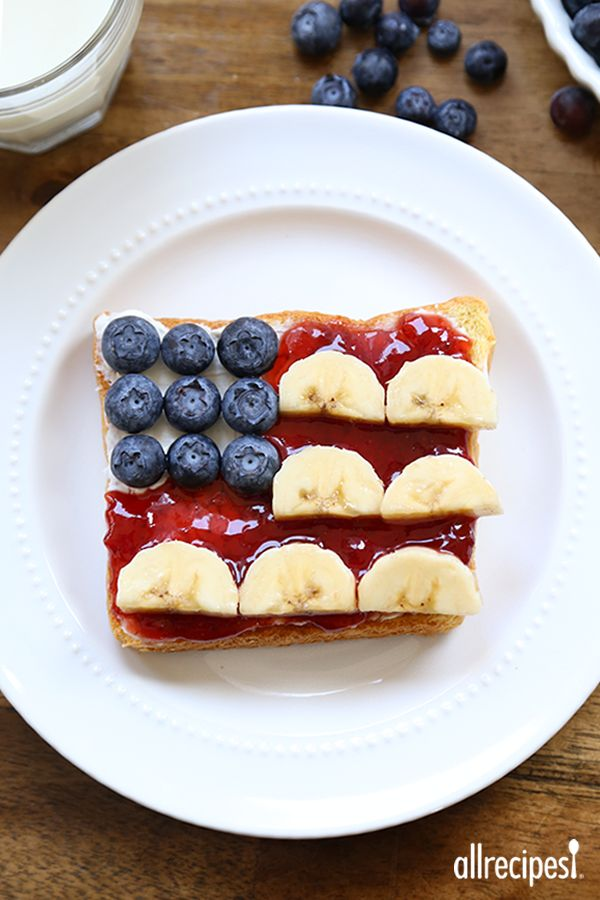 A quick, healthy and cute breakfast to serve on 4th of July.