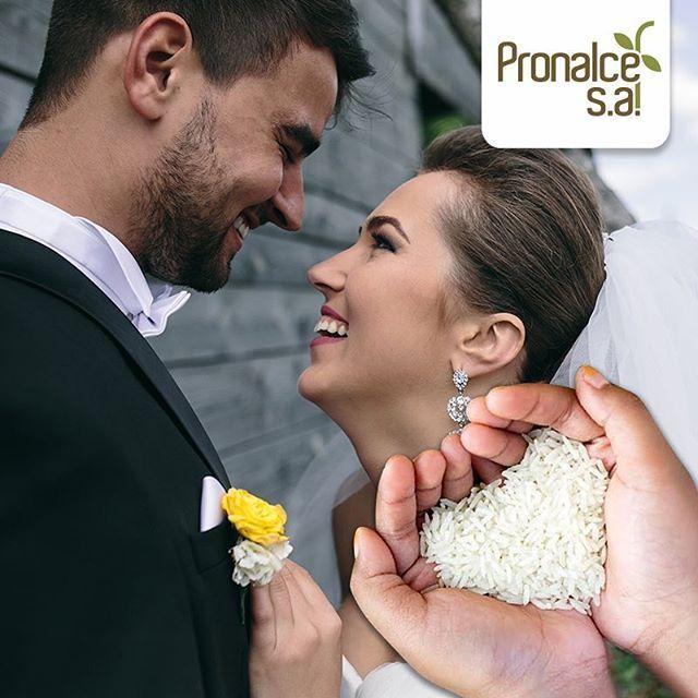 La costumbre de tirarle arroz a los recién casados viene desde tiempos romanos y simboliza la fertilidad y la prosperidad. #ProductosPronalce #ArrozPronalce. Imagen vía Pinterest  #Pronalce #Avena #Wheat #Trigo #Cereal #Granola #Fit #Oats #ComidaSaludable #Yummy #Delicious #Tasty #Instagood #Delicioso #Sano #HealthyFood #Breakfast #Protein #Nutrición #Cereales