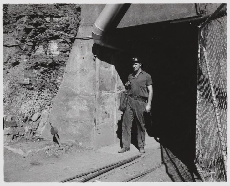816B/TB/2679: Entrance to Wittenoom Asbestos mine, July 1958 http://encore.slwa.wa.gov.au/iii/encore/record/C__Rb1923178?lang=eng