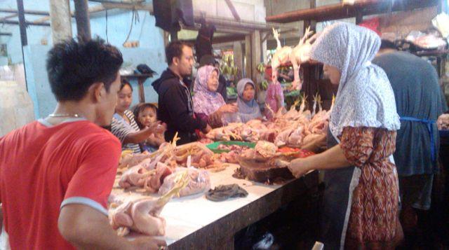 Berita Ayam Berformalin Tak Pengaruhi Daya Beli Masyarakat | Majalah Kartini