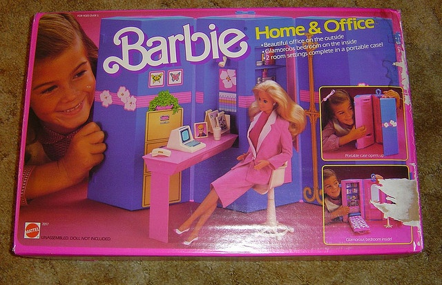 One of my favorite Barbie accessories...an office on one side and bedroom/apartment on the other.