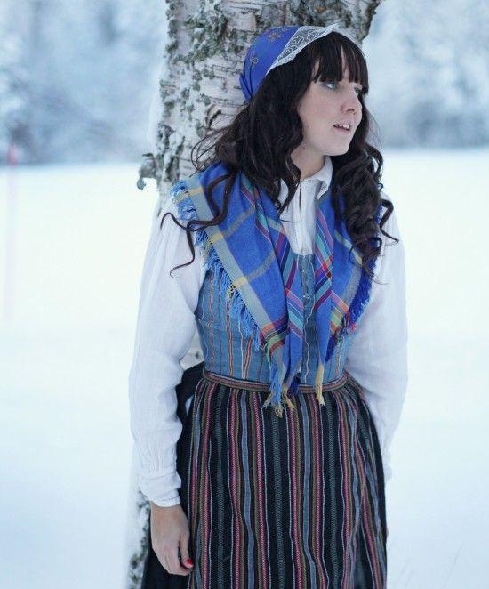 Underbara Clara i Västerbottniska Folkdräkt #Folkdrakt