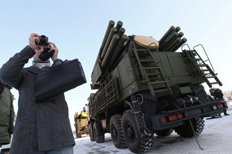 Sistem peluncur rudal Pansir S-1 yang masuk dalam persenjataan berbagai negara, termasuk angkatan bersenjata Rusia sendiri, dalam waktu dekat akan mengalami modifikasi yang signifikan. Menjelang 2017, peluncur ini akan dilengkapi dengan roket hipersonik baru. Uji coba skala penuh berupa demonstrasi peluncuran sudah dilaksanakan di poligon Ashuluk, Astrakhanskaya Oblast. Hal tersebut diumumkan oleh Direktur Perusahaan NPO Bysokotochniye Kompleksy, Aleksander Denisov.