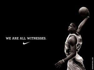 Questa è la pubblicità del video together, prodotto da Nike, con Lebron James che guida la sua squadra alla conquista del titolo NBA. L'ho trovata sul sito pubblicomnow-online.it. Mi piace perché, oltre al fatto della presenza di un testimonial come Lebron, anche per l'impatto forte che crea nike con il movimento della schiacciata e della scritta in netto contrasto con lo sfondo.