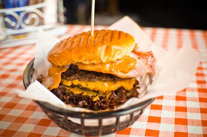 @TwistedBurgerCo  Supersize Me... quintuple beef patties - American Cheese - bacon - Techno Burger Sauce - brioche bun