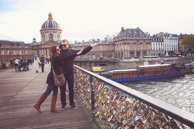 Pont des Arts- Where you lock up your love, how did I not know about this in Paris?!: Des Art, Pont Des