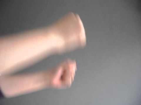 Gloves vs Fingerless Gloves | Luvas vs Mitenes