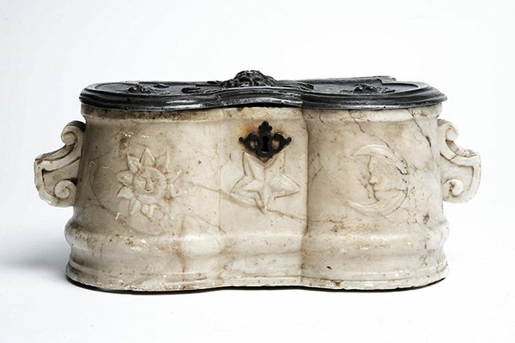 """""""An extremely rare and complete French marble and lead herbalist. Double reservoir, outside moved profile with architectural baroque handles, sun and moon on low relief in the front, on the side of a central star.Original lead cover. Low relief decoration of a Meduse with rays in the centre and two lyon's heads."""""""