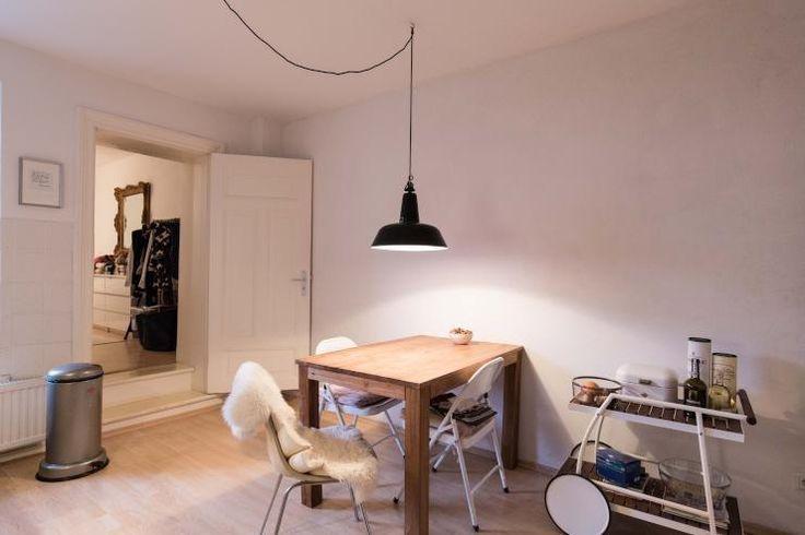 Superschöner Essbereich Mit Holztisch Und Kleinem Servierwagon   Esszimmer  2 Wahl