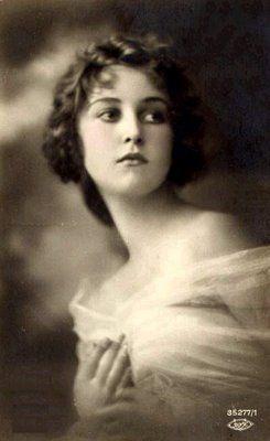 beautiful young lady, beautiful lighting, very wistful