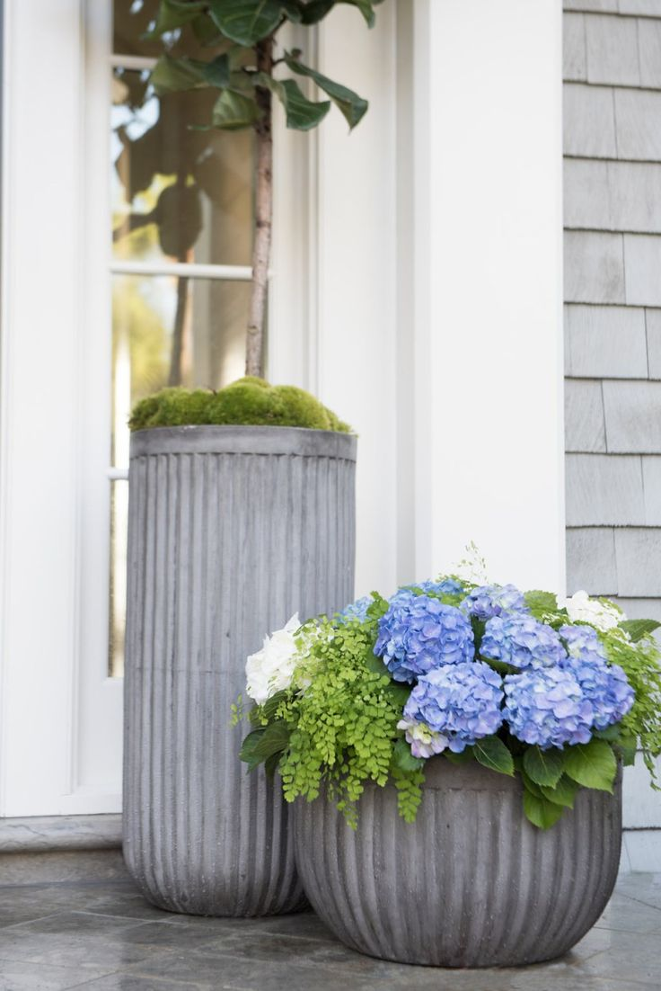 Front porch container gardening ideas - A Quick Container Garden For Your Front Door Using Pottery Barn Urns From Southern Living