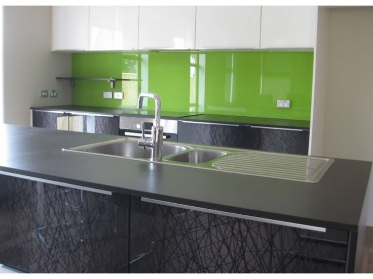 kitchen sink splashbacks 25 best ideas about coloured glass splashbacks on 2900