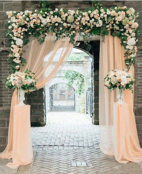 Blumengeschmückter Trauungsbogen! | Zeremonie Inspiration | Zeremonie Dekor | W …