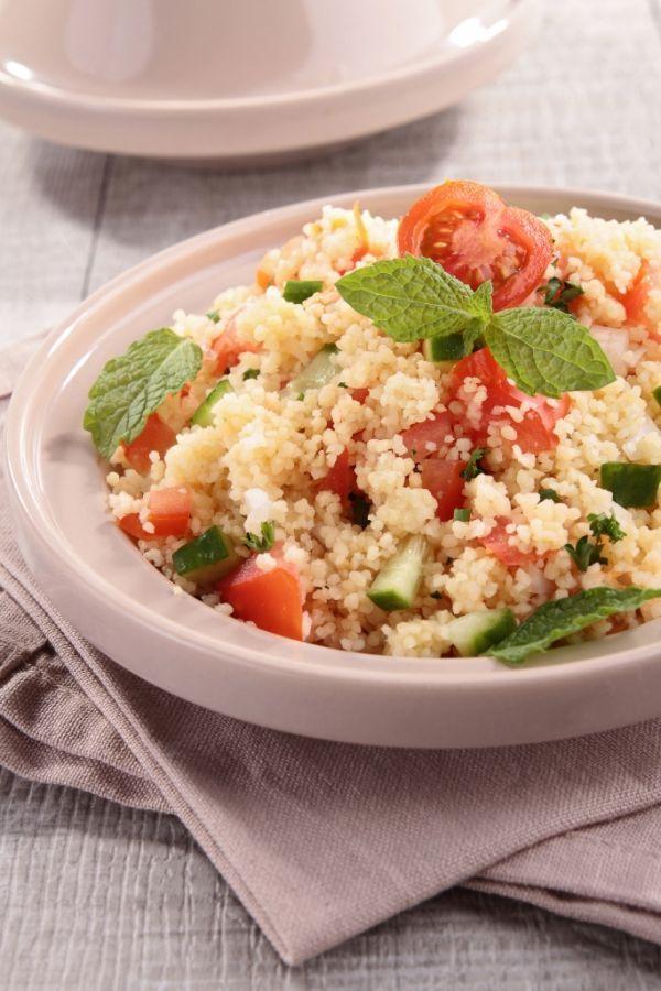 Kuskus šalát - Recept pre každého kuchára, množstvo receptov pre pečenie a varenie. Recepty pre chutný život. Slovenské jedlá a medzinárodná kuchyňa