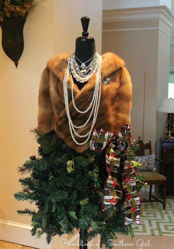 Ramblings of a Southern Girl: Ms. Camela Christmas - 60's Inspired Decorated Dress Form