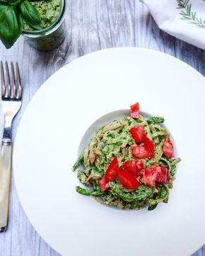 """Una ricetta per un """"pesto"""" profumatissimo, colorato e goloso con il tocco speciale dei fagiolini verdi estivi."""
