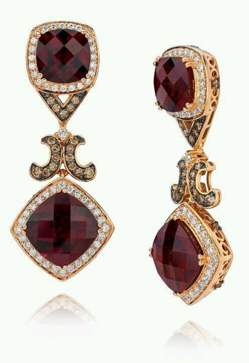 Le Vian® Fiery Reds Collection Le Vian® Raspberry Rhodolite®, Chocolate Diamonds® and Vanilla Diamonds® set in 18K Strawberry Gold®