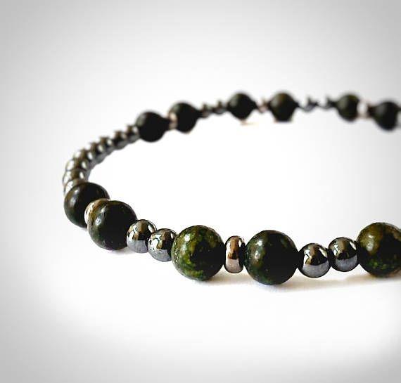 Men green jasper and hematite beads bracelet for surfer, hipster, boyfriend. #menjewelry #menbracelet #mensurfer #hipsterjewelry #husbandgift #jasperjewelry #mengemstone #hematitemen #mensgift #boyfriendgift #husbandjewelry #greenjewelry