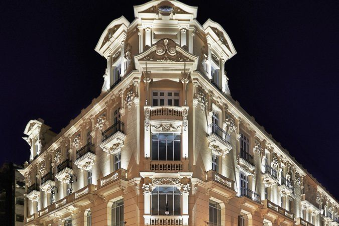 Modern Meets Classic in a Sleek Madrid Hotel - The New York Times