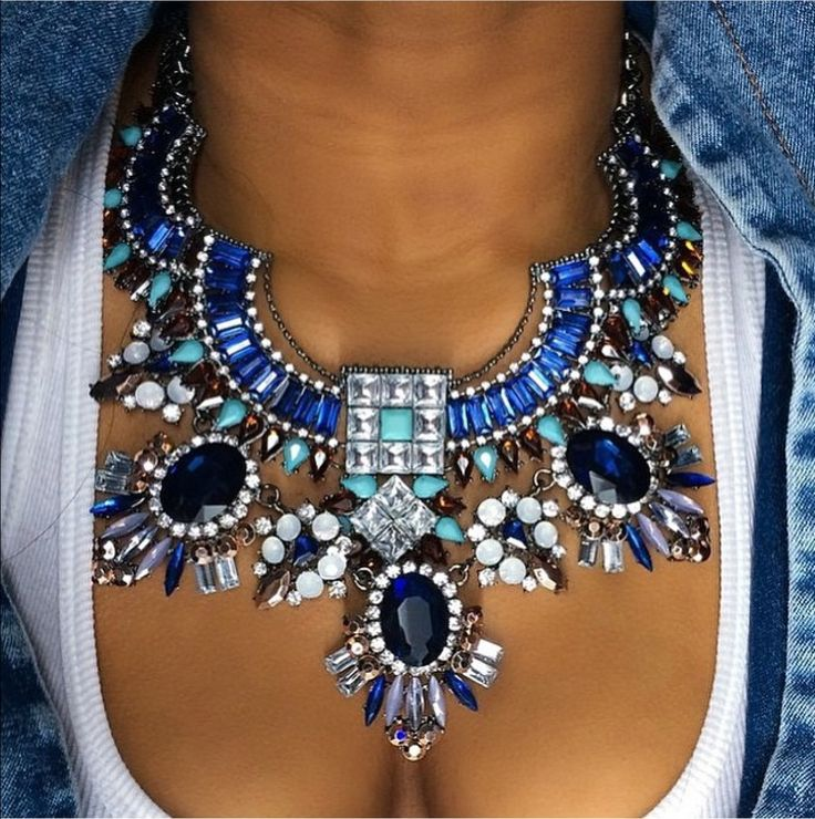 Denim days or cocktail nights this necklace looks fan