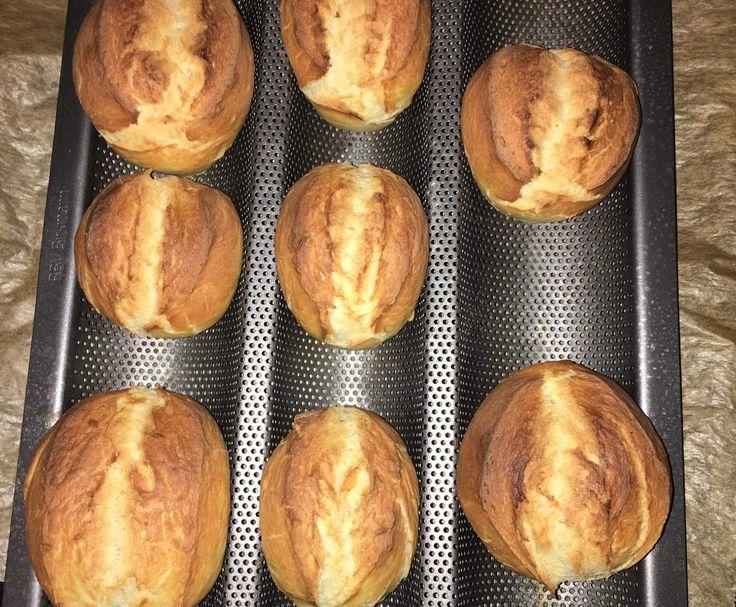 Rezept Leckere und knusprige Frühstücksbrötchen wie vom Bäcker von Victoria2608 - Rezept der Kategorie Brot & Brötchen