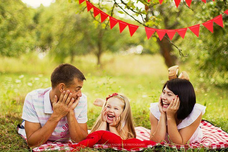 family picnic, motherhood, family, family photoshoot, child photoshoot, baby photoshoot, baby