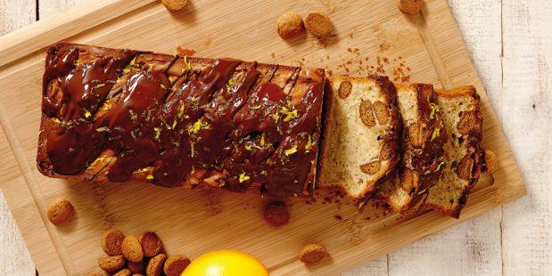 Pepernotencake met sinaasappel, speculaaskruiden en een chocoladeletter!