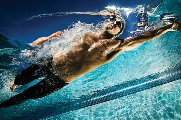Tips From a Pro: Shooting Swimming from Underwater | Popular Photography