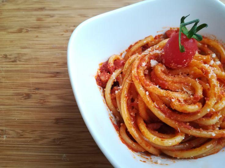 BUCATINI AMATRICIANA : History & Authentic Italian Recipe   Spaghetti all amatriciana. Amatriciana sauce. All amatriciana