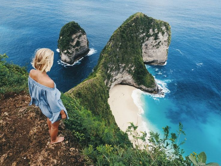 This view is breathtaking! Island hopping on Nusa Penida!