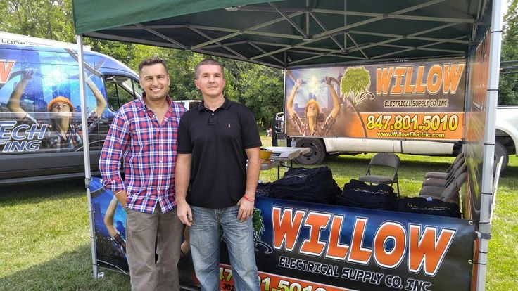Our favorite two characters represented Willow Electrical at the Beer Fest in Yorkville IL.  Great job Team !  #weekend #sundayfunday #inbound #promo #sunday #willlowelectrical #event #chicago #chicagoelectric