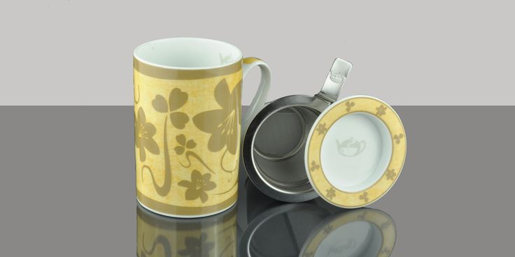 Mug Cylinder Gracia Blend brown background.