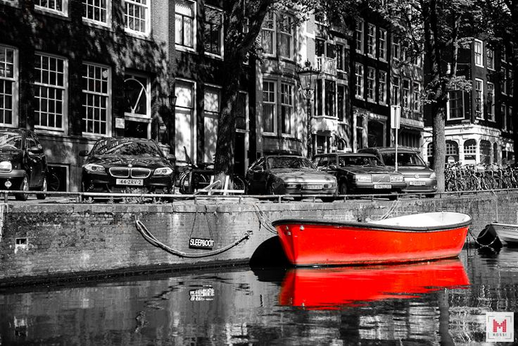 Red boat!