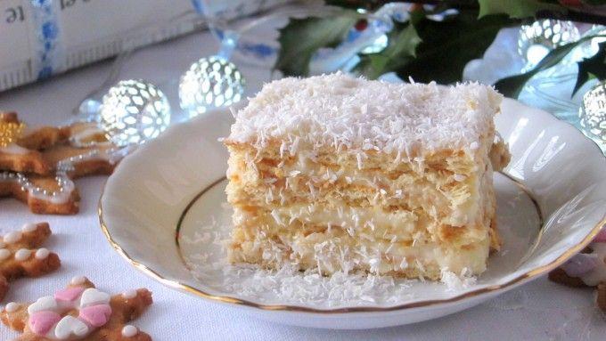 Jak zrobić Rafaello bez pieczenia? Swój przepis zdradza Kasia Bukowska! To ciasto przekładane z herbatników i masy budyniowej - spróbuj!