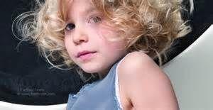 Model rambut pendek keriting anak perepuan