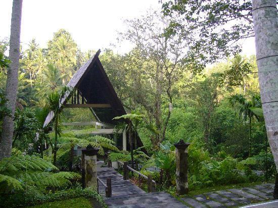 Wanasmara Wedding Chapel, Komaneka at Bisma Ubud - Bali, Indonesia. see komaneka.com