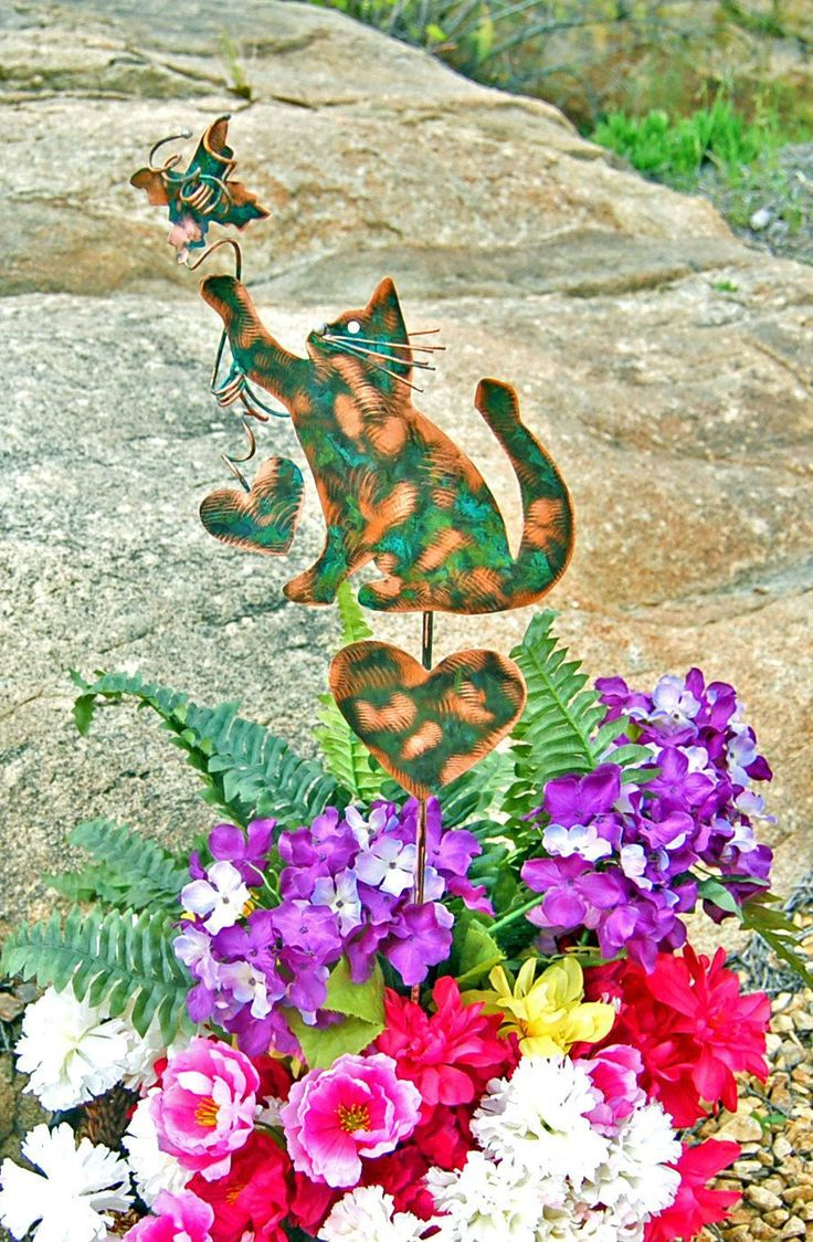 Cat Metal Copper Garden Yard Art Stake / Outdoor Sculpture