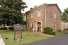 1852 Hall Place Bed & Breakfast in Glasgow, Kentucky | B&B Rental