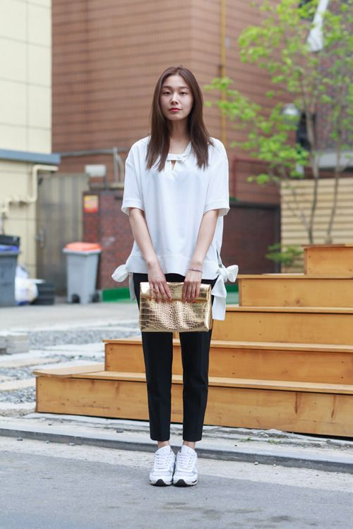 Women 39 s white short sleeve blouse black dress pants white athletic shoes gold leather clutch Korean fashion style shoes