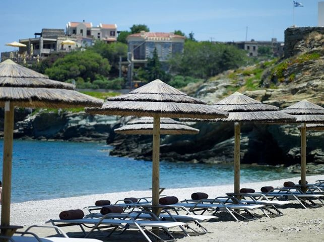 Our made-to-measure beach front has been set for your arrival! #kea #tzia #greece