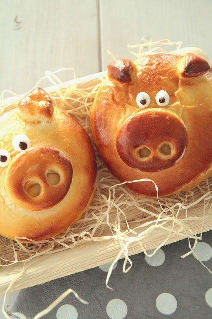 Glücksschweinchen silvester schwein gebaeck brot weckerl suess
