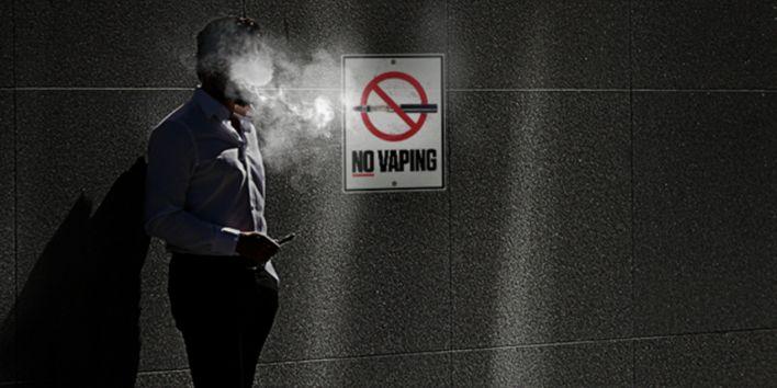 analyse        Elektronische sigaretten of e-sigaretten blijken het meest effectieve middel ooit te zijn om mensen van tabak te helpen. Ze zijn ook 95% minder schadelijk voor de gezondheid. Vanwaar dan de heksenjacht van overheden en media?