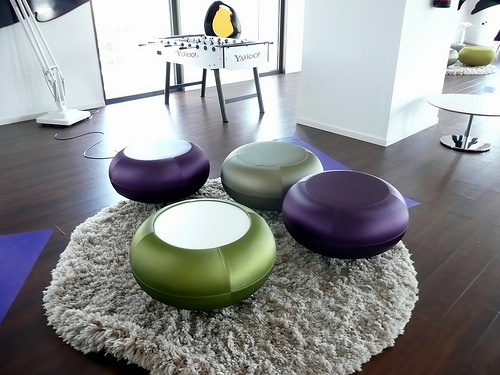 great pouffes at Yahoo, Barcelona office