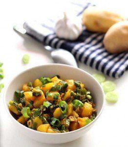 Potato Spring Onion Curry Recipe| How to make Potato Spring Onion Curry
