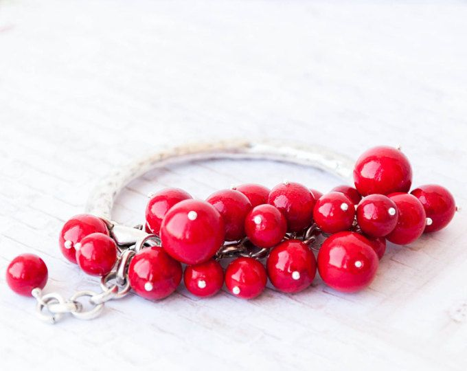Red beaded bracelet, Red bracelet, Red bead bracelet, Rotes Armband, Bracelet rouge, Braccialetto rosso, Pulsera roja