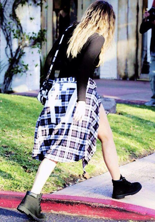Khloe kardashian black timberland outfit