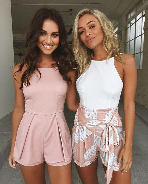 Friendship goals! Cute outfits in pink