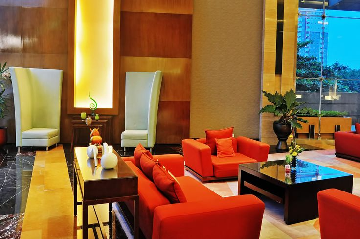 Nice Atmosphere at Lobby #lobby #hotel #travel #red #gold #5starhotel