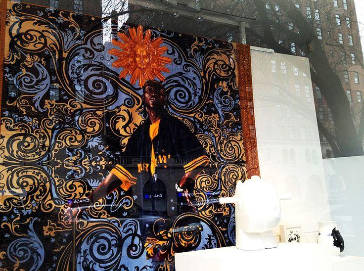 Para quem ama arte e está em Nova York essa é uma dica de programação que não pode ficar de fora do seu roteiro: visitar as muitas galerias de arte do bairro Chelsea, localizadas pertinho do High Line, um parque suspenso que foi feito em uma antiga linha férrea. Por lá, além de passear pelas