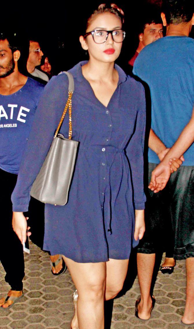 Huma Qureshi seen at Prithvi Theatre attending Neetu Chandra's play 'Umrao Jaan'. #Bollywood #Fashion #Style #Beauty